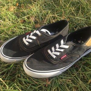 Women's Levi's shoes size 7.5